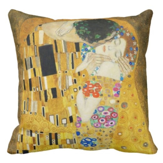 gustav_klimt_the_kiss_throw_pillow-rca9537d38f974701862fcbcac946bde4_2izwx_8byvr_525